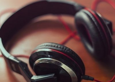 5 Ways You Can Use Social Media Listening to Your Advantage