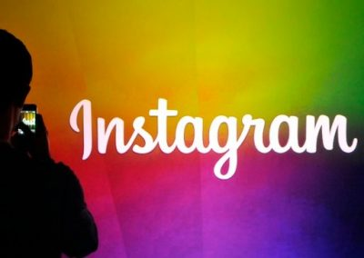 Should You Put Instagram Hashtags in the Caption, or in the Comments?