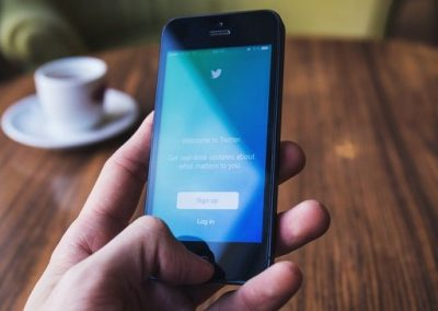 Up and Downvotes for Tweets? Twitter has Reportedly Been Testing a New Engagement Option